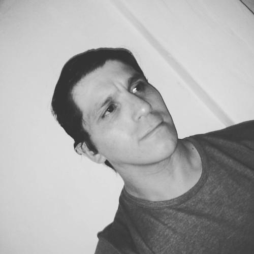 Un peinado a la gomina en Blanco y Negro.