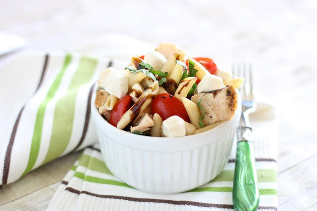 chicken caprese pasta salad 001
