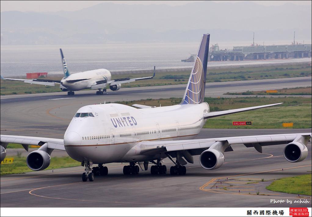 United Airlines N128UA-006