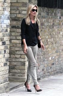 Kate Moss Beige Jeans Celebrity Style Women's Fashion