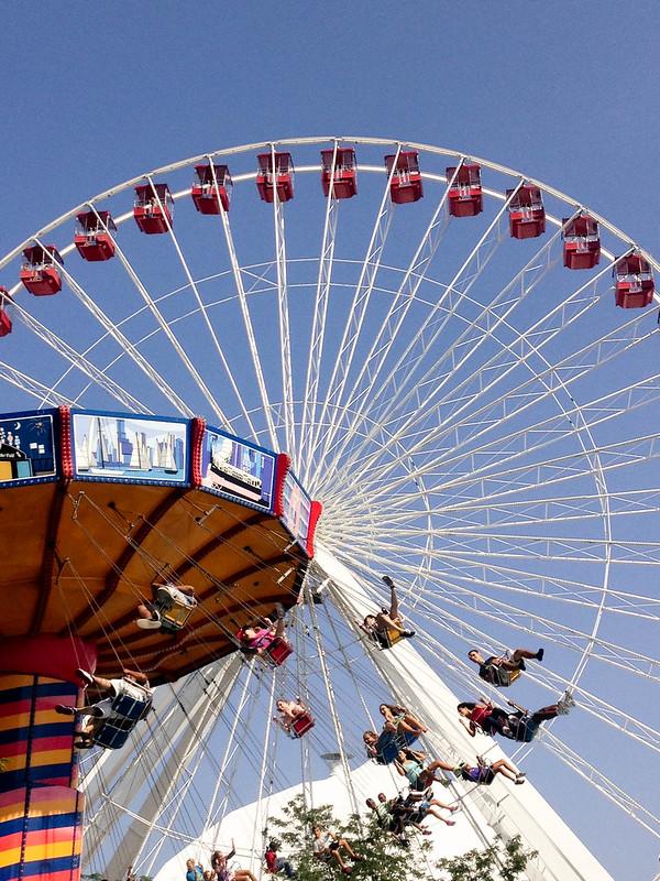 chicago navy pier ferris wheel, swing waver