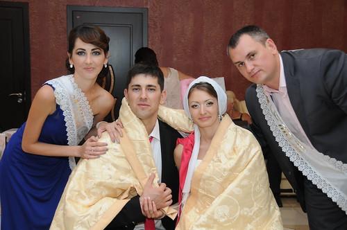 """Concursul Obiceiul """" Dezbrăcatul miresei!!!"""" > Eugeniu si Elena"""