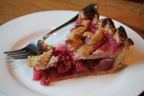 Pear-Raspberry Pie | coppertopkitchen.blogspot.com
