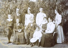 deland family Chas and Effie Deland rhs back row rest are Wyllie family