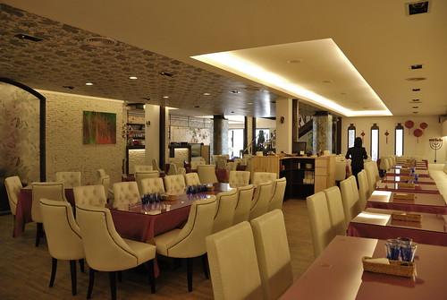 餐廳設計-義大利麵餐廳多人座位