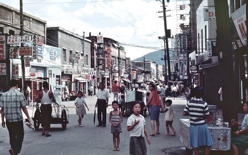 Seoul 서울 1968-08-08 종로삼가 鍾路三街 – 68D08-0730