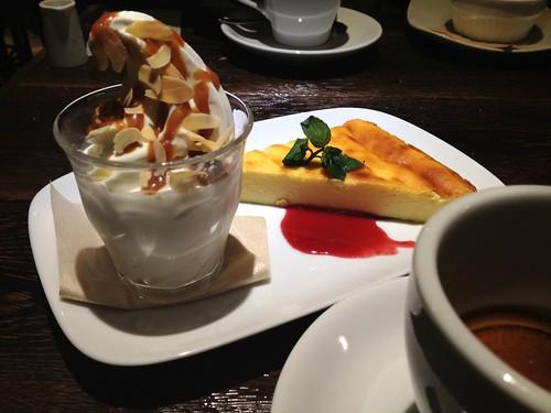 チーズケーキとソフトクリーム@トウキョウキュイジーヌ