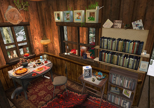 Ls treehouse: books and food