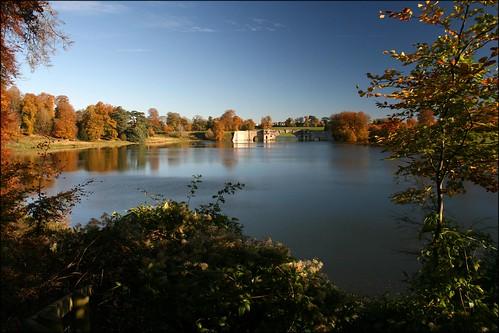 Bleinheim Palace Lake and bridge