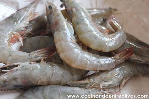 Merluza rellena de setas, langostinos y jamon www.cocinandoentreolivos (1)