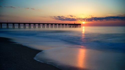 morning sunrise pier wrightsvillebeach wilmingtonnc johnniemercers leebigstopper wrightsvillebeachsunrise sel35f28z sonyilce7r