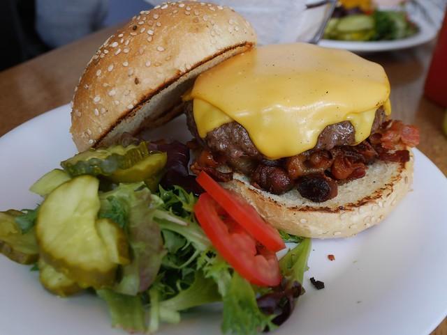 土, 2014-04-05 13:43 - Bacon Cheeseburger
