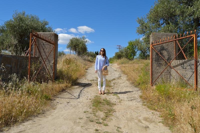 lara-vazquez-madlula-blog-style-streetstyle-white-blue
