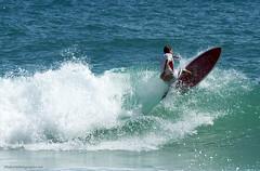 surfer in waves XOKA0980bs