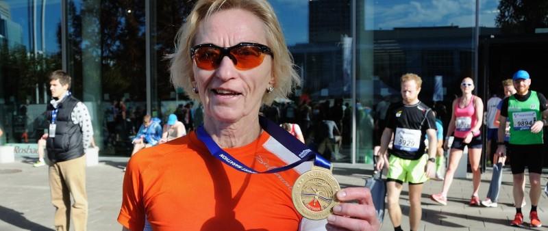 59letá Krcháková zaběhla maraton ve Frankfurtu za 3:14h