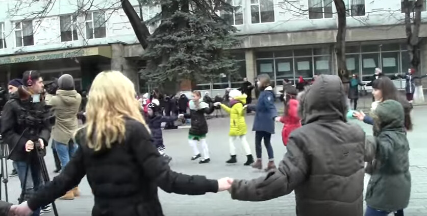 Hora_Unirii_Chisinau_Liceul_Gheorghe_Asachi_1_Decembrie_2016 (9)