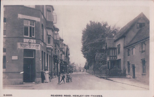 Old Postcard of Reading Road, Henley