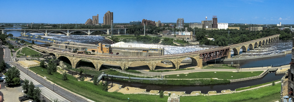 mississippi river panorama stone arch bridge minneapolis minnesota
