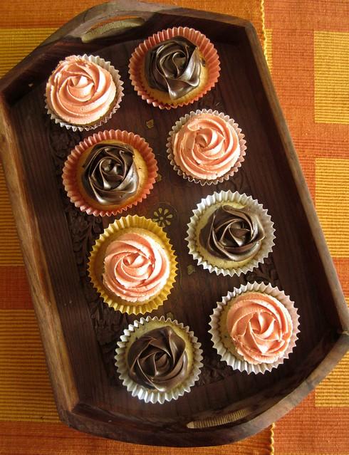 Almond Choco-chip Cupcakes