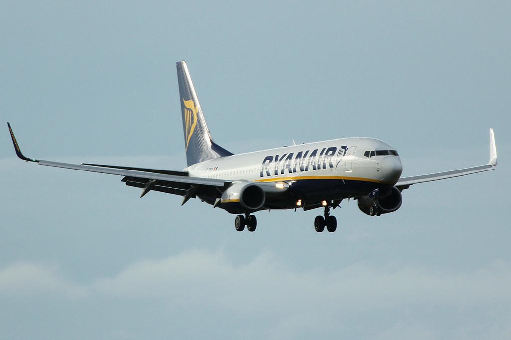 EI-DYZ - B738 - Ryanair