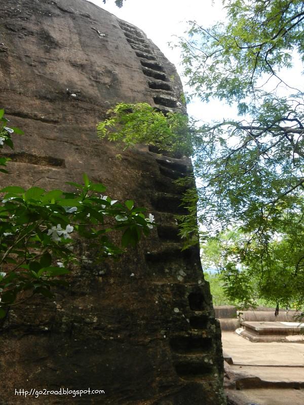 Крепость Сигирия, нижные сады