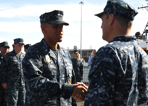 USS Vandegrift Sailor Recognized for Quick Actions Following Traffic Accident