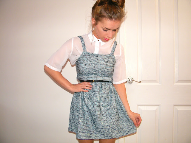 littlepinafore-thumbelinalillie5.jpg