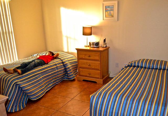Van Der Valk Golf Resort. Inverness, Florida - two twin beds - bedroom