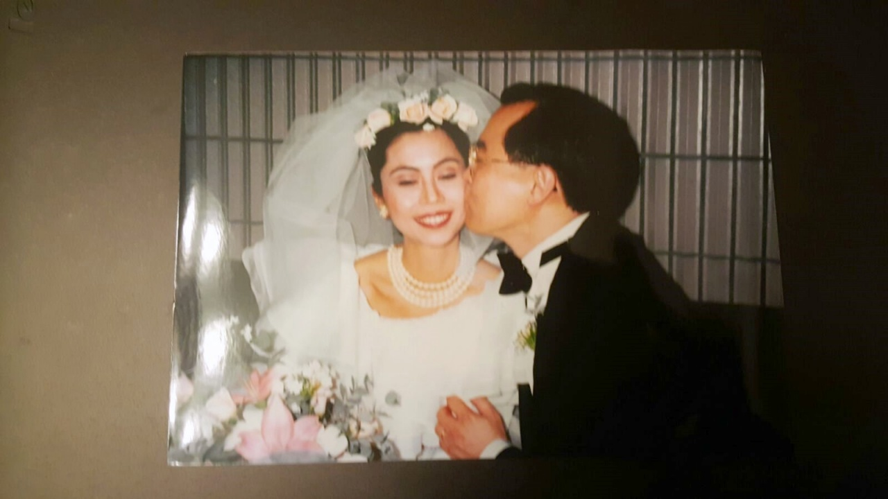 1992年,筆者終於如願與她結為夫婦。(作者提供)