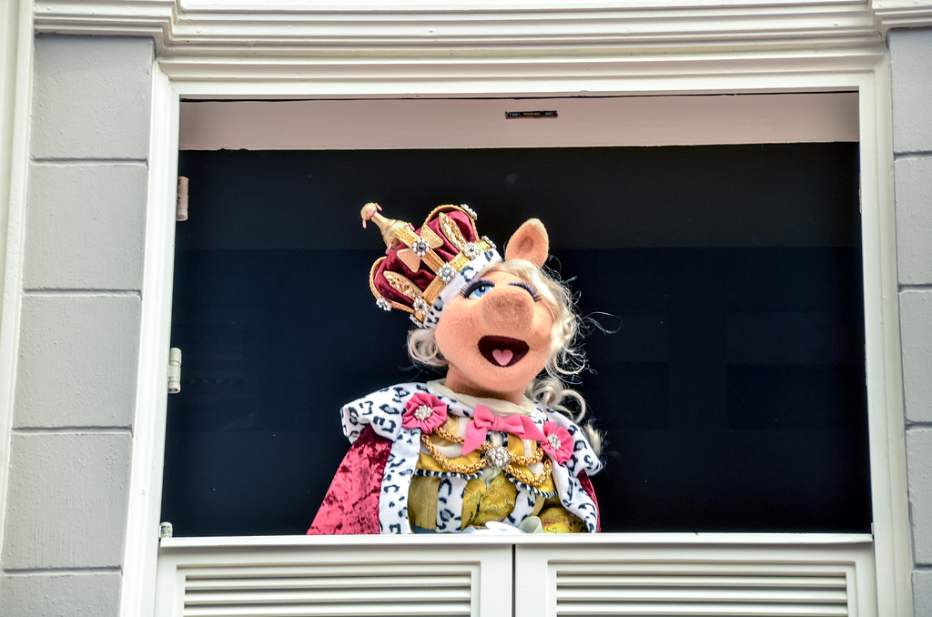Miss Piggy King