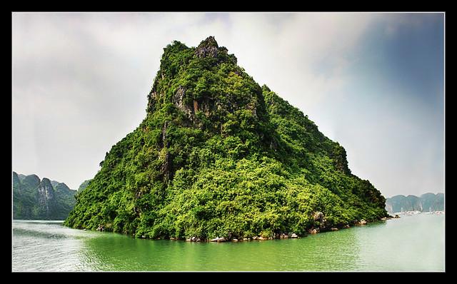 Quảng Ninh VN - Hạ Long Bay 07