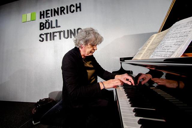 Laura Gallati (Pianistin) Foto: stephan-roehl.de