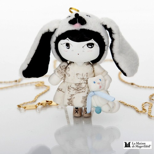 Mageritdoll Collection: Kawaii Dog Doll (Resin Art Doll Brooch & Necklace - Muñeca artística resina) by La Maison de Mageritdoll