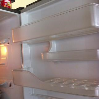 実家の冷蔵庫徹底掃除中。このために帰省したと言っても過言ではない