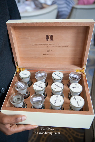 Tea chest to smell the scents of various teas offered