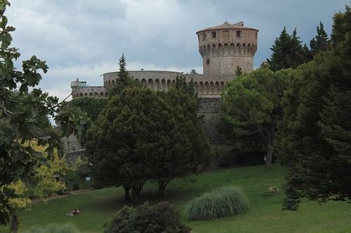 Volterra: rocca nel parco pubblico
