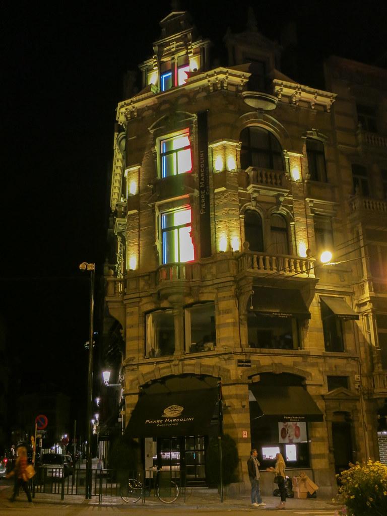 Grand Sablon at night.
