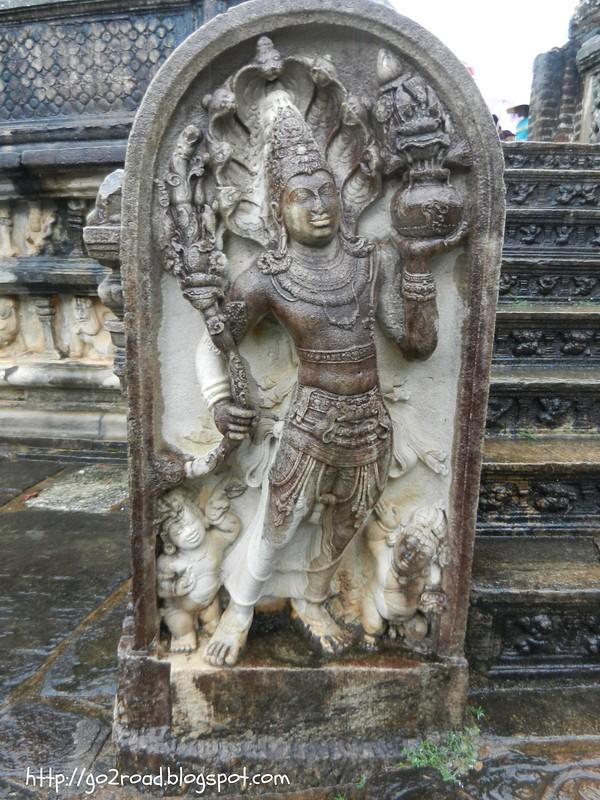 Шри Ланка, в Поллунарува
