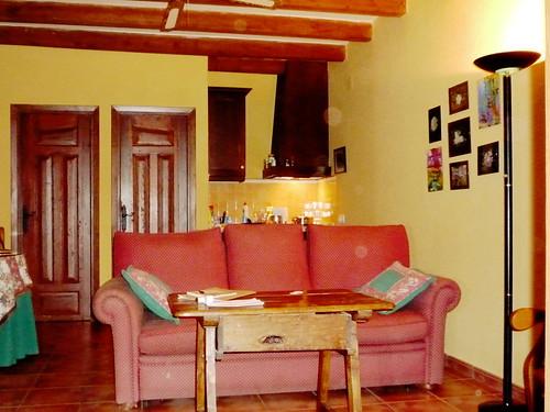 Huertos de la Segura, Wohnraum und Küche im Apartment