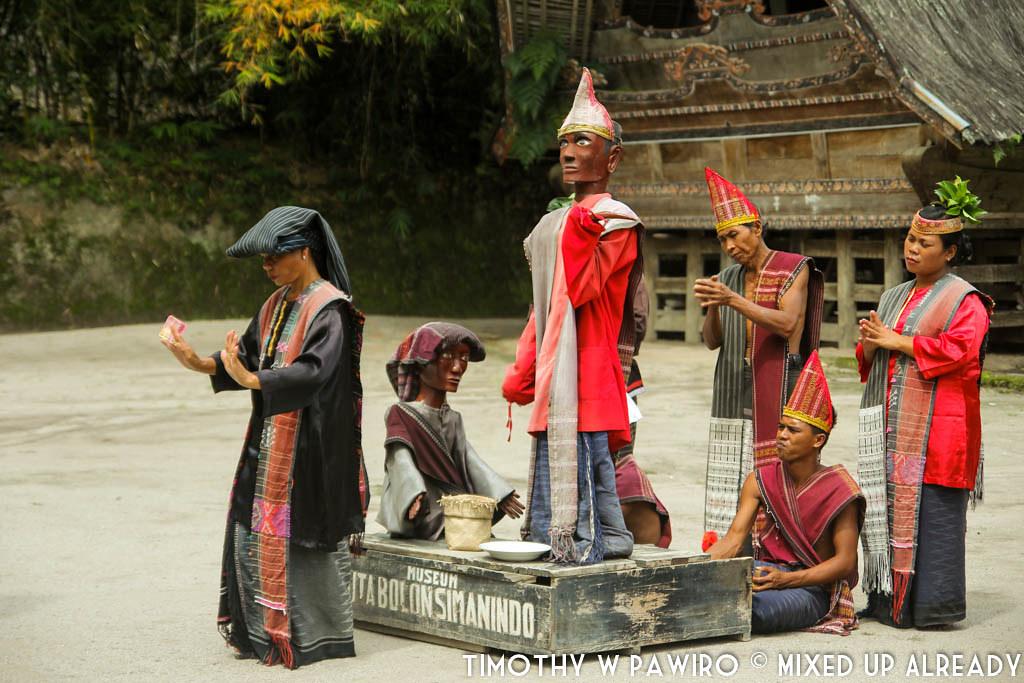 Indonesia - Medan - Museum Huta Bolon Simanindo - Mangalahat Horbo - Gondang Sigale-gale