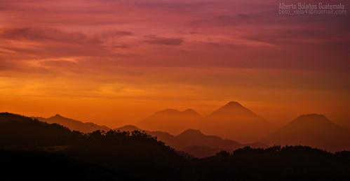 Hasta que el sol aparezca. by alberto bolaños1