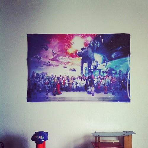 Serais ce un énorme poster #starwars dans la chambre de fiston ? #decoration #ourlittlefamily #france