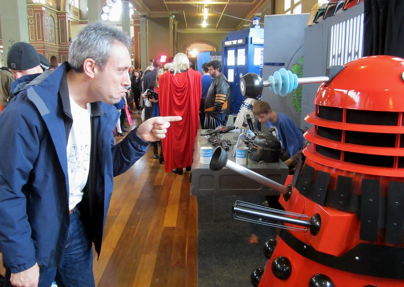 Disagreement with a Dalek at OzComicon 2014