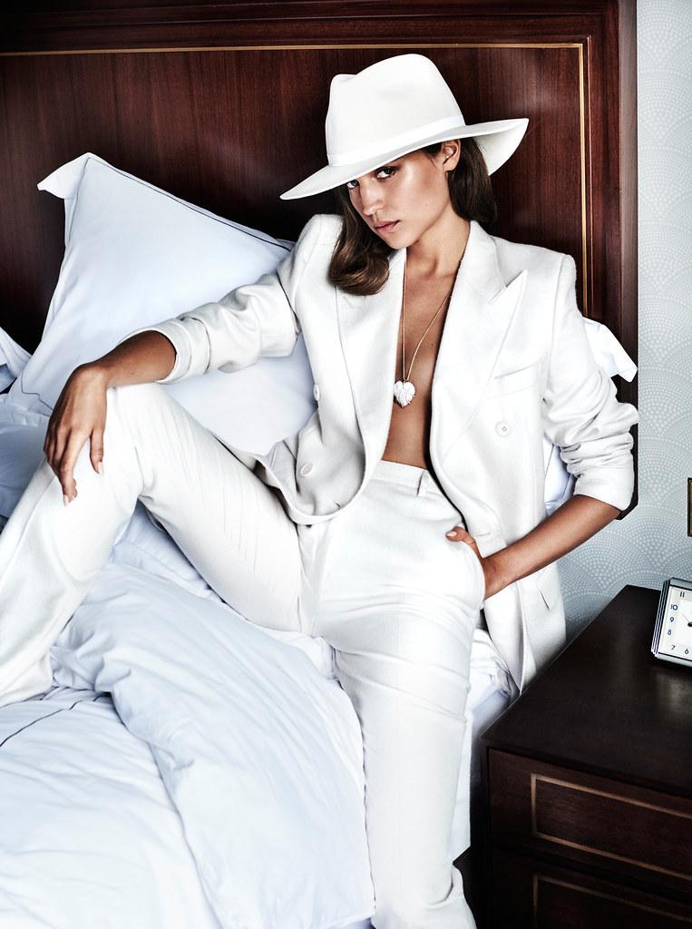 Алисия Викандер — Фотосессия для «Vanity Fair» 2016 – 7