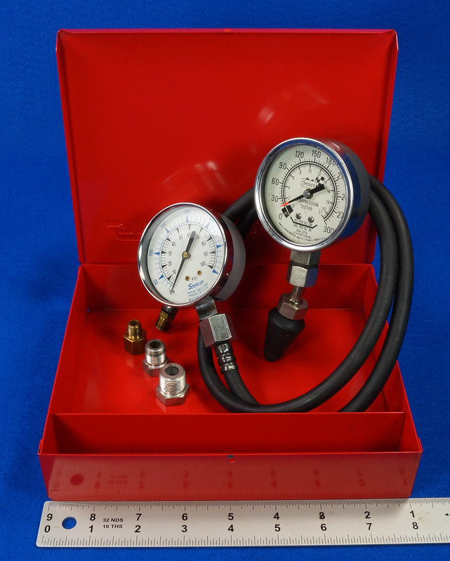 RD14488 Snap On 100 PSI Pressure Gauge Kilopascal in Metal Case with Sears 300 PSI Tester DSC06890
