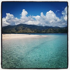 #turquoise waters in #flores