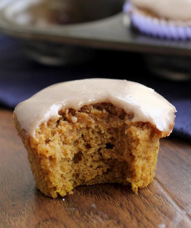 Pumpkin Pound Cake Cupcakes with Maple Cinnamon Glaze {# ...
