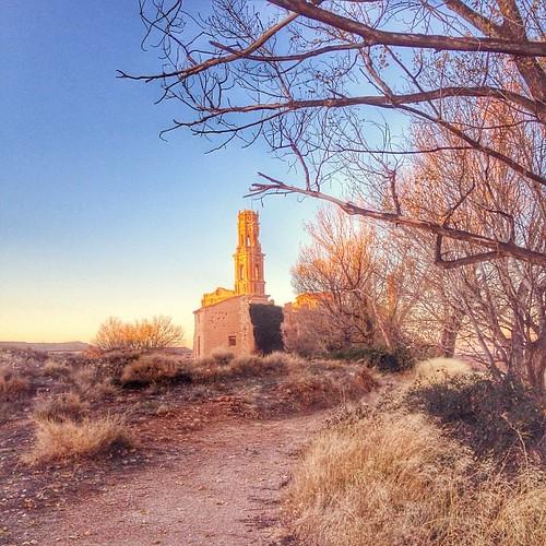 Belchite Pueblo Viejo #belchite #pueblo #village #iglesia #church #civilwar #war #igers #igerszaragoza #instamoment #sunset
