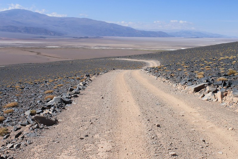 The descent to the Salar de Antofalla