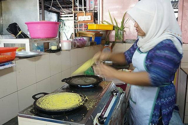 Halal breakfast in Penang Astaka Taman Tun Sardon-024